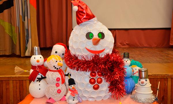 Новогодние игрушки в школу на конкурс фото