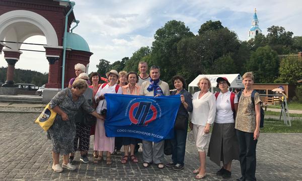 Ивченко организовал для пенсионеров поездку на Валаам